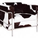 Sessel im klassischen Design aufgepeppt.